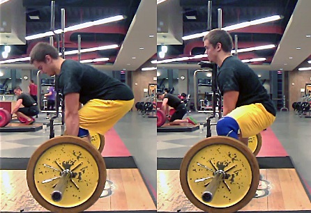 """Note how the sumo stance (right) makes the leg """"shorter"""" from knee to hip."""
