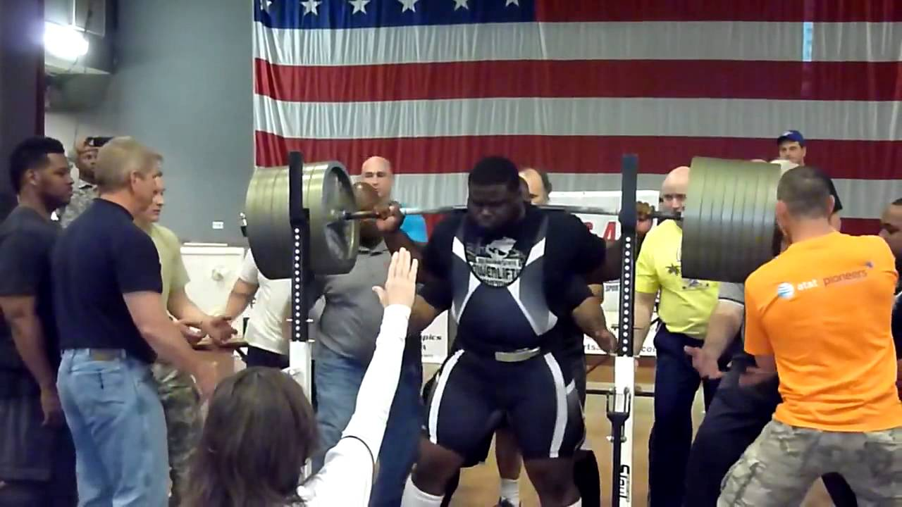 Ray Williams demonstrates an IPF Squat with 900lbs. No wraps, no monolift, no problem.